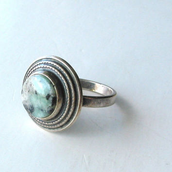 Vintage, hall marked, sterling silver and natural stone ring. Size 7. Southwestern style, earth spirits, boho summer, mothers day