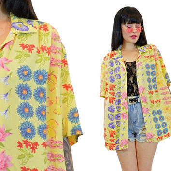 vintage 90s floral oversized shirt pastel grunge pale yellow wildflower print slouchy top boho hippie blouse medium large