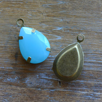 2 - Teardrop Jewel Charms BABY BLUE Drop Gem Pear 13x18mm Brass Claw Setting Charm or Link Gold Antique Bronze Silver (AY066)