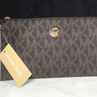$118 Michael Kors Fulton Brown MK Logo Leather Zip Clutch Wristlet Wallet Gold