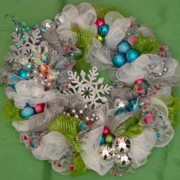 White Deco Mesh Wreath, Deco Mesh Wall Wreath, Silver, Turquoise Deco Mesh Wreath, Holiday Wreath, Christmas Wreath