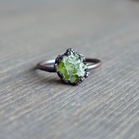 Raw peridot ring | Raw ring | Raw crystal ring | Peridot jewelry | Electroformed ring | Raw stone ring