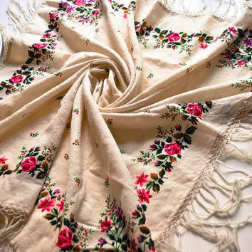 Vintage wool shawl / Soviet Piano shawl / Fringed Floral Wrap / Russian shawl / Ukrainian shawl / Square tablecloth / Scarve USSR