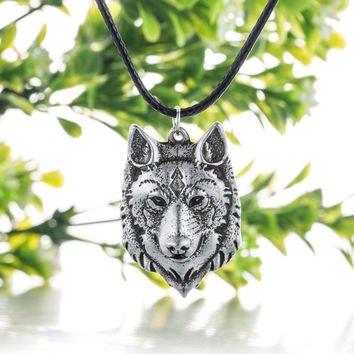 Wolf Head Necklace Pendant Animal Power Norse Viking Amulet  Necklaces Pendants Men Women Gift Jewelry Antique Silver