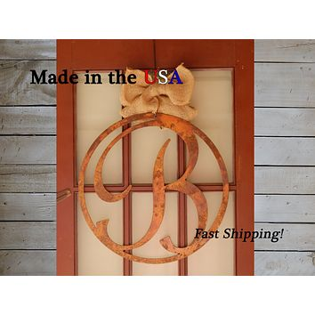 "20"" Circle Door Hanger with Initial"