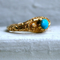 Stunning Antique Hand Etched 18K Yellow Gold Turquoise Ring.