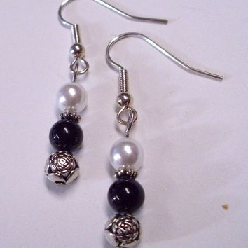 Black and white Glass Bead Toggle Bracelet and Earring Set Silver Rose Accent
