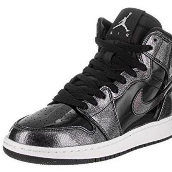 NIKE AIR JORDAN 1 Retro Kid's Basketball Shoe