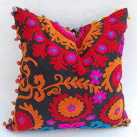 Decorative Pillow Cover Hand Embroidered Uzbekistan Style Suzani Cushion Cover Living Room Decor Cotton Canvas Colorful Pom Pom High Fashion