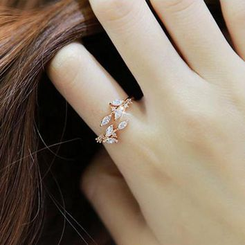 Luxury Simple Top Quality Zircon Tree Leaf Opening Finger Ring Charming Plant Style Wedding Jewelry Rings For Women Gift