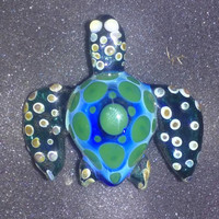 GLASS TURTLE PENDANT