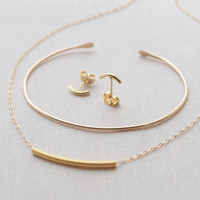 Curved Bar Jewelry Set