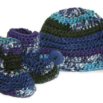 Baby boy booties hat set teal blue, olive green, roral purple camo crochet newborn photo shoot. 0 - 3 months