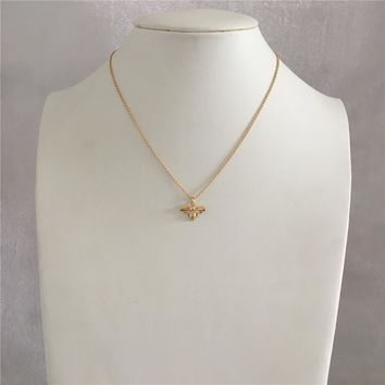 LOVELY GOLD COLOR HONEY BEE PENDANT NECKLACE FOR WOMAN GIRL