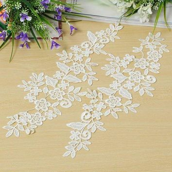 ESBONIS 1 Pair DIY White Fabric Lace Mirror Flower Sewing Applique Lace Edge Trim Sewing Clothes Garment Wedding Decor Materials Supply