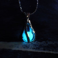 Mermaid's Teardrop Glowing Necklace - Glow in the Dark Luminous Pendant - The Little Mermaid Inspired Jewelry - Lovers Necklace