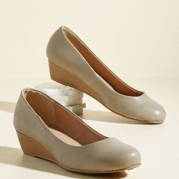 Breath of Profesh Air Wedge in Oyster | Mod Retro Vintage Heels | ModCloth.com