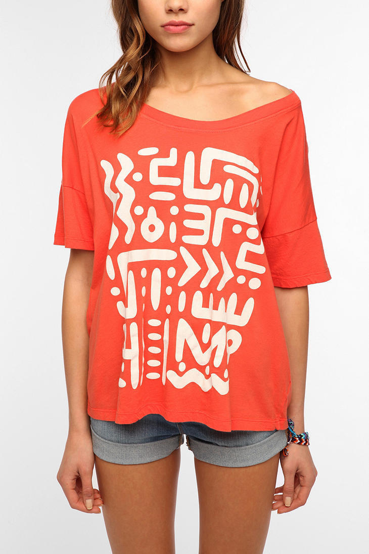 Title Unknown Lines And Dots Tee