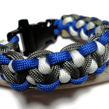 Paracord Survival Bracelet Blue White Charcoal Gray Dragons Tooth Weave Handmade USA Men Ladies Unisex Built in Whistle on Buckle
