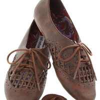 Crisscross Your Fingers Flat in Tan | Mod Retro Vintage Flats | ModCloth.com