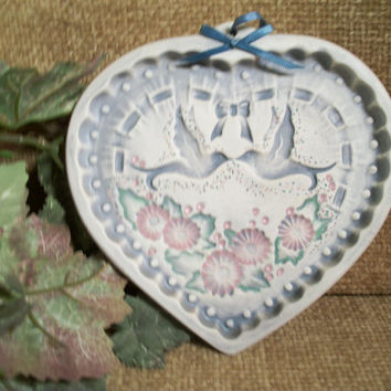 Vintage Ceramic Bisque Heart Baking Mold Wall Hanging Doves Flowers Blue Pink Valentine's Day Wedding Gift Home Decoration Romantic Keepsake