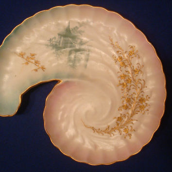 c1889 Doulton & Slater Aesthetic Movement China Shell Tray. Royal Doulton. Birds. Birdhouse Motif.