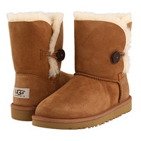 UGG Kids Bailey Button (Big Kid 2)