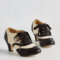 Vintage Inspired, 20s, Scholastic Dance It Up Heel in Black and Ivory