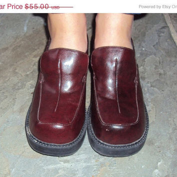 10 DOLLARS OFF SALE 90s Goth Grunge Chunky Platform Shoes size 8 // Loafers Size 8