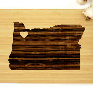 Personalized Wedding Gift, Custom Engraved Wood Cutting Board, Oregon State Map, Anniversary Gift, Housewarming Gift, Fathers Day