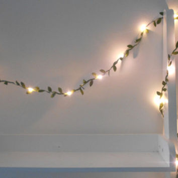 White Leaf Wire Garland With Mini LED - 2m 3m 4m 5m Fairy Lights / String Lights Battery Indoor Bedroom Nursery Winter Wedding Decoration