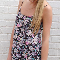 Pops of Daisies Tank