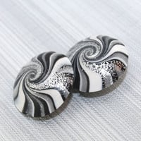 Focal beads in stripes pattern, swirl lentil beads in black, white, gray and silver, Jewelry supplies, elegant beads Set of 2