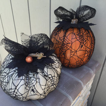Customized Halloween faux pumpkins in tulle, halloween decor, fall decor, inside outside decoration, halloween decoration
