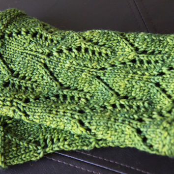 Green Lace Infinity Scarf / Hand Knit Cowl, Eternity Scarf, Winter Accessories / Holiday Gift / Ready to Ship!