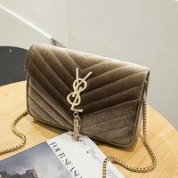 Women Retro Rhombus Velvet Y Letter Metal Chain Single Shoulder Messenger Bag Small Square Bag