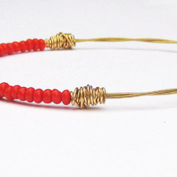 Beaded Bangle Bracelet // Red, Gold // Red Vintage Seed Beads, Twisted Wire // Reclaimed Guitar Strings // Summer Tribal Trend // Recycled