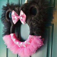 Mini mouse wreath, tulle wreath, wreath, tulle decoration, mini mouse party decoration, pink tulle decoration, mini mouse decorations, party