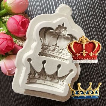 New Domineering King Queen Crown Shape Silicone Mold  Fondant Cake Decoration Chocolate Candy Baking Childlike Clay