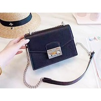 PRADA sells casual women's single-shoulder shopping single-shoulder bag with clamshell cover solid color Black