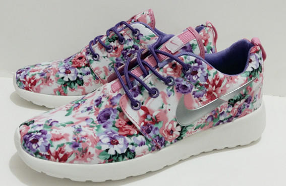 Nike Roshe Run (Floral Print Pink Flower from shopzaping.com 4d1d68dc1