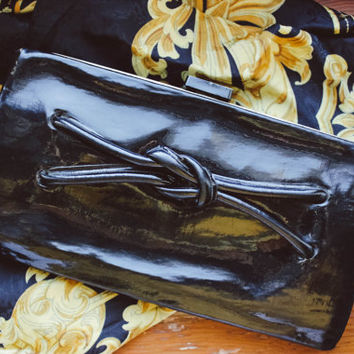 Soviet 1940's Clutch / USSR Mid Century Black Patent Vintage Kiss Frame Purse / Nautical Knot Front Detail & Sail Boat Lock Evening Clutch