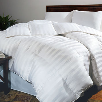 Siberian 500 TC Damask Stripe All Season Down Comforter: Twin