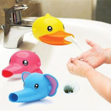 Hot 1 pcs New Arrival Cute Cartoon Faucet Extender For Kid Children Kid Hand Washing banheiro In Bathroom Sink 3 Colors
