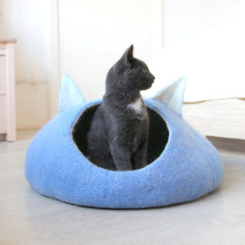 Cat bed - cat cave - cat house - eco-friendly handmade felted wool cat bed - sky blue and natural white - made to order