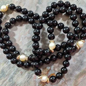 Vintage Beaded necklace 14k Gold Black Onyx Pearls Genuine Stones Pearls 31 Inches Long 7-8 mm Beads Lovely Basic Wardrobe Staple Accessory