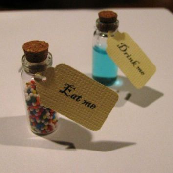 Alice in wonderland theme party - drink me, eat me tags WITH VIALS - 10 COUNT