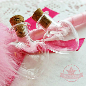 2 pcs Heart Miniature Glass Bottle Vials w/ corks Jar Dollhouse Food Craft - T136