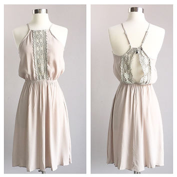A Lovely Lady Dress in Taupe