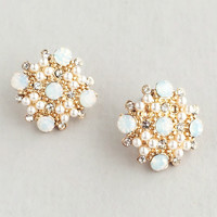 Dreamy White & Pearls Stud Earrings